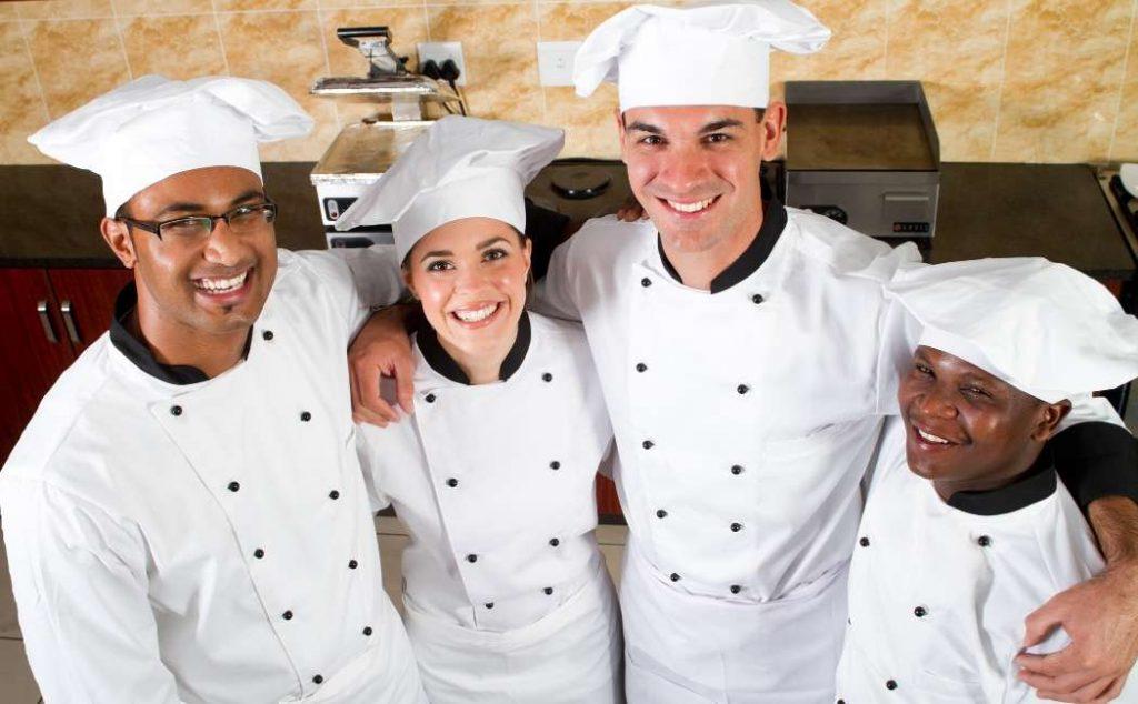Brigata di cucina: cuochi e chef